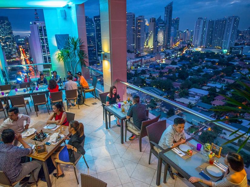 City-Garden-Hotel-Makati-Encima-Roofdeck-Restaurant